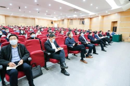邓云锋到曲阜师范大学宣讲党的十九届五中全会精神